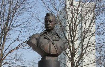 Маршал К.К. Рокоссовский. г. Зеленоград