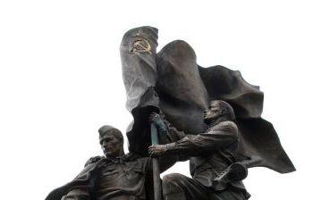 """Мемориал """"В борьбе против фашизма мы были вместе"""", художественное литье из бронзы, г. Москва, Поклонная гора."""