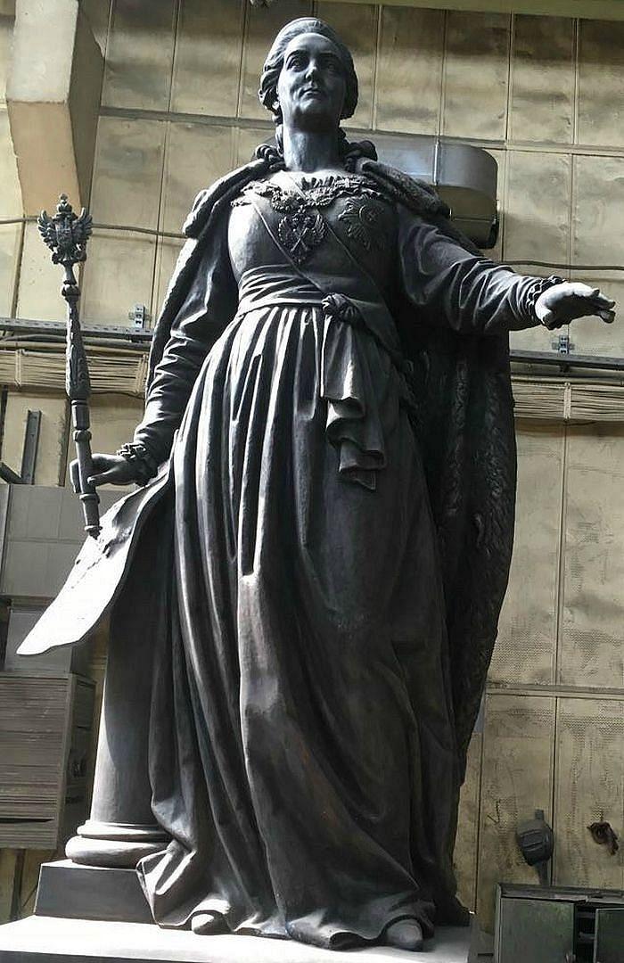 Восстановленный на пожертвования россиян памятник Екатерине II готов к отправке в Симферополь