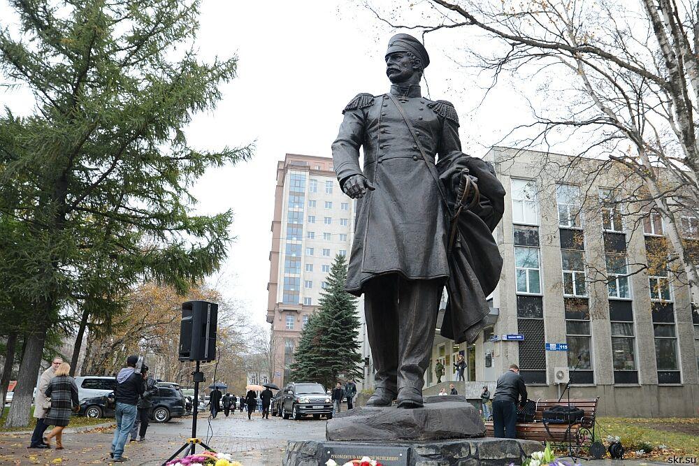На открытие памятника адмиралу Невельскому приглашают жителей Южно-Сахалинска