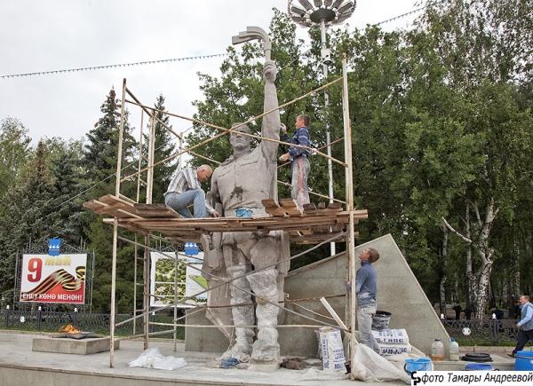 Президент Башкортостана ознакомился с реконструкцией парка Победы в Стерлитамаке
