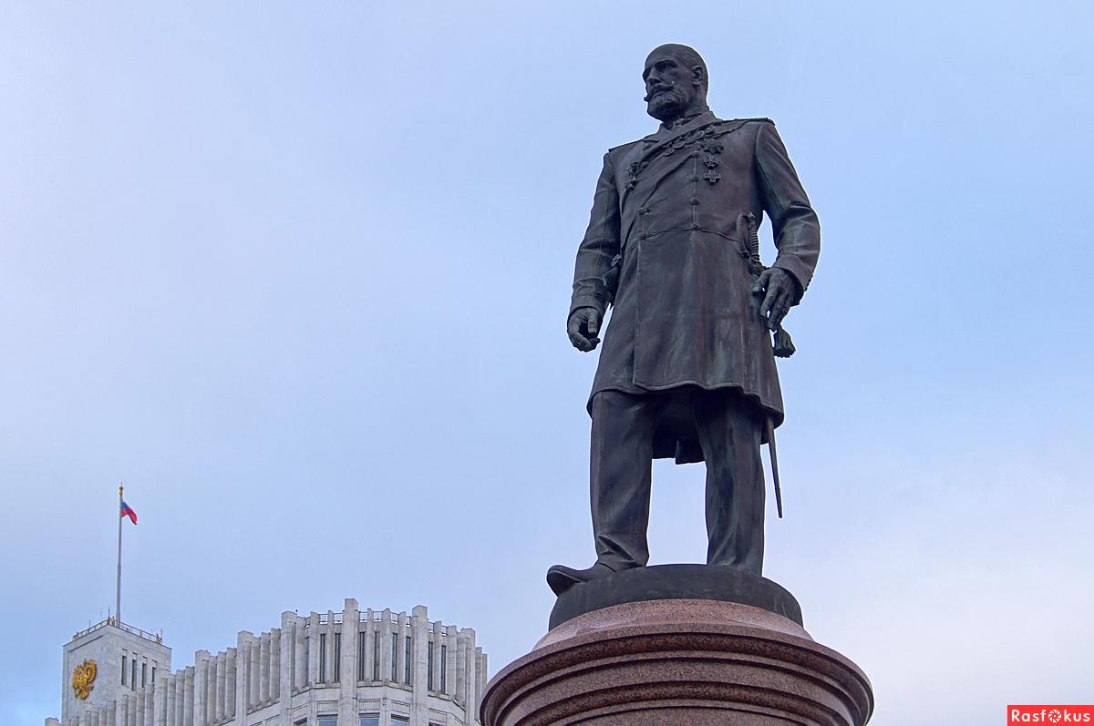 Памятник Петру Столыпину в Москве