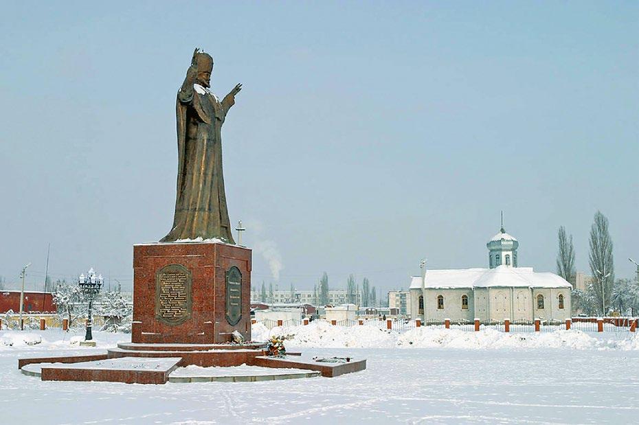 Памятник святителю Николаю Чудотворцу изготовлен из бронзы на скульптурном предприятии «Лит Арт». Установлен в Майкопе в 2006 году.