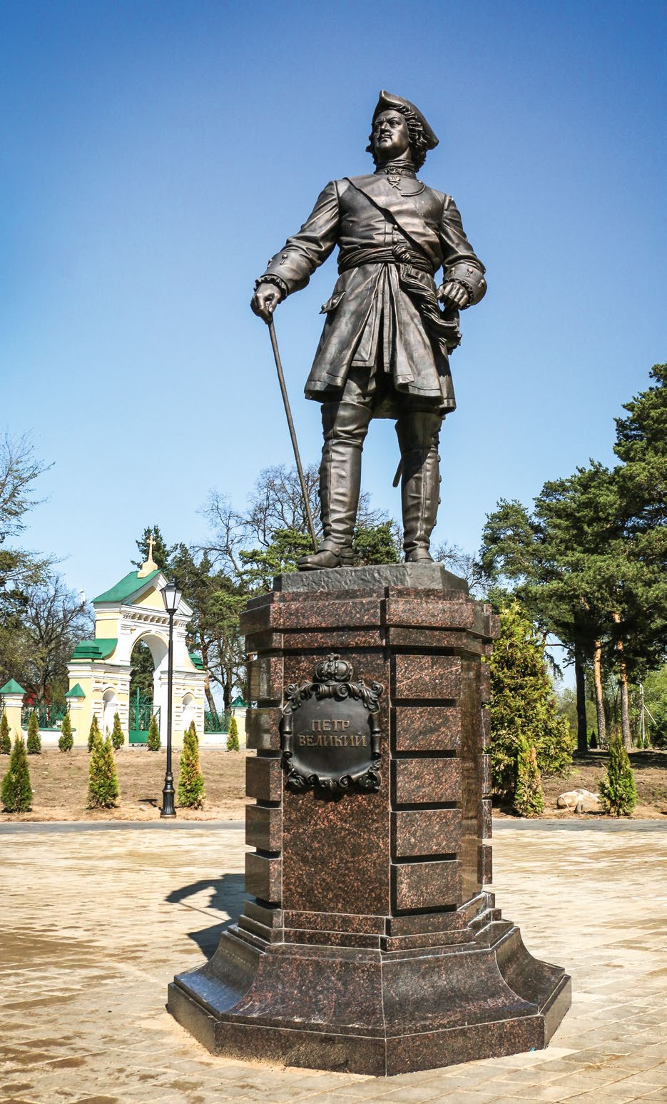 Памятник Петру I в Лосино-Петровском
