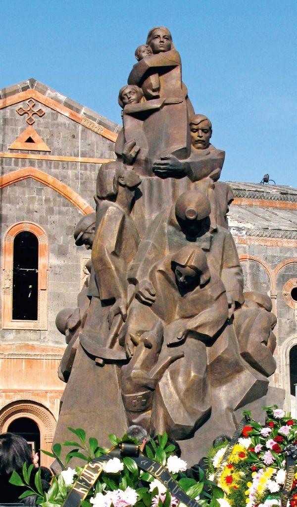 Памятник жертвам землетрясения в Гюмри. Армения | Портфолио