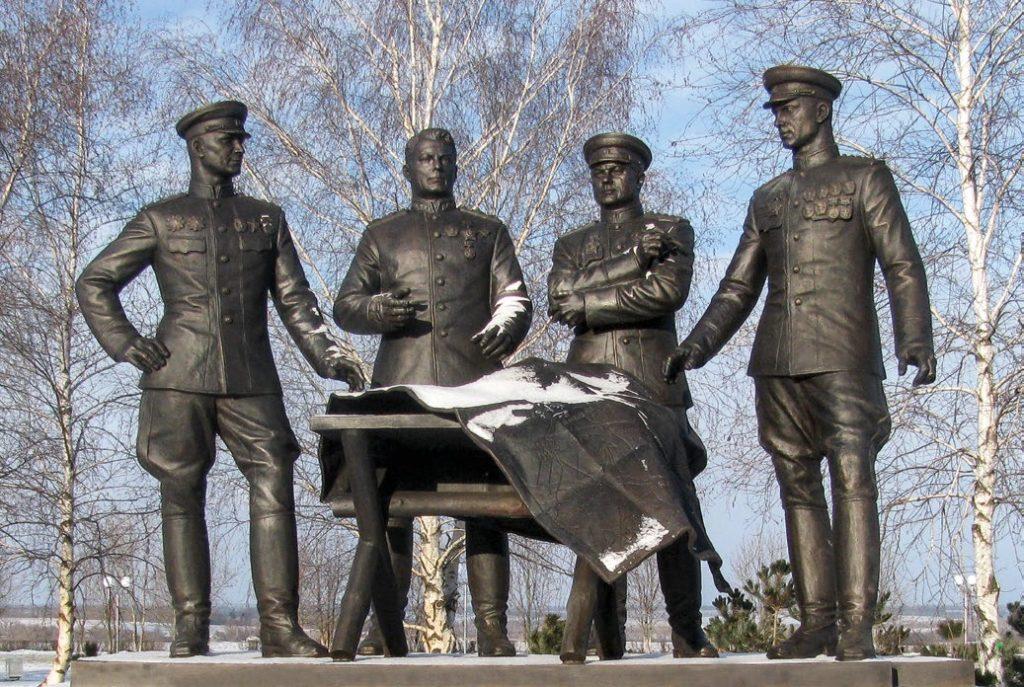 Памятник советским полководцам Коневу, Василевскому, Ватутину, Рокоссовскому в поселке Прохоровка | Портфолио