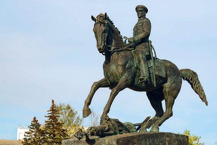 Памятник герою Советского Союза маршалу Георгию Жукову в Калуге