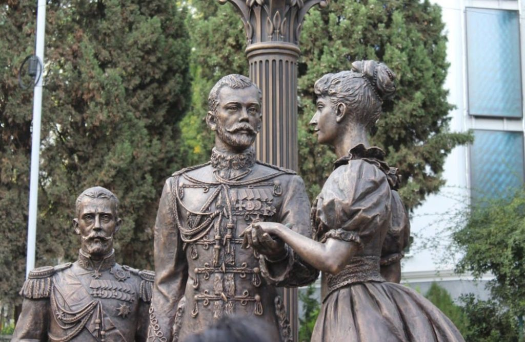 Памятник Николаю Второму и Александре Фёдоровне в Крыму | Портфолио