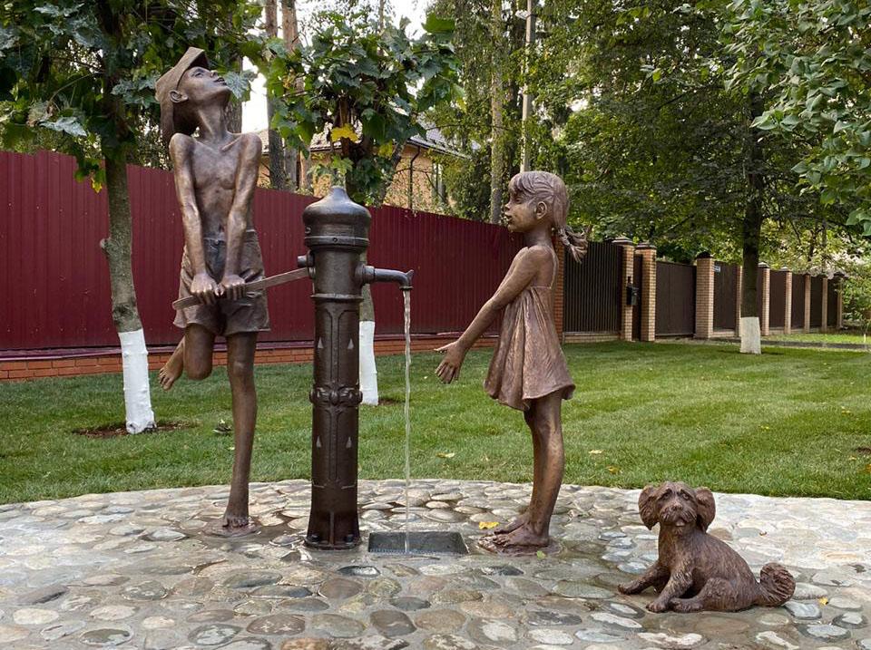 Скульптурная композиция «За водой» в Московской области