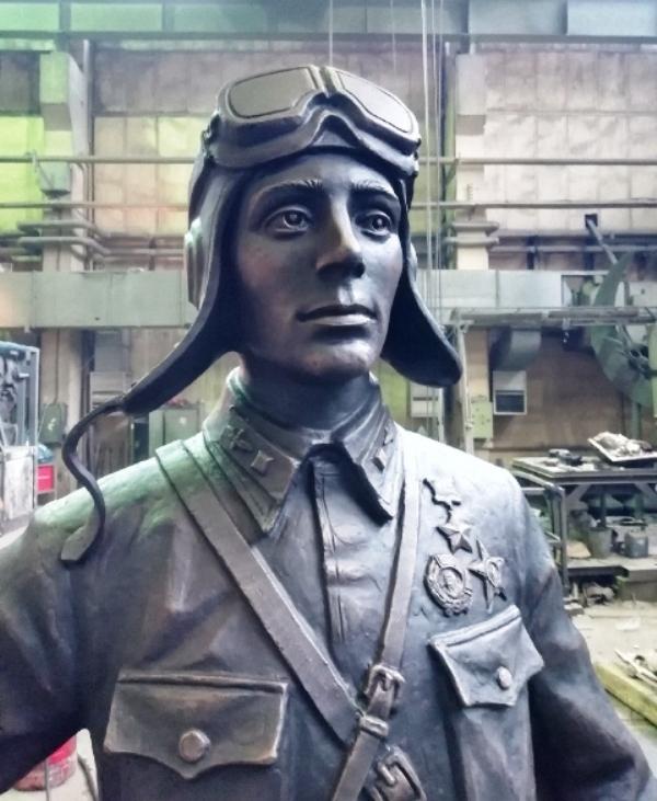 Памятник Герою Советского Союза Виктору Талалихину в селе Тепловка Саратовской области | Портфолио