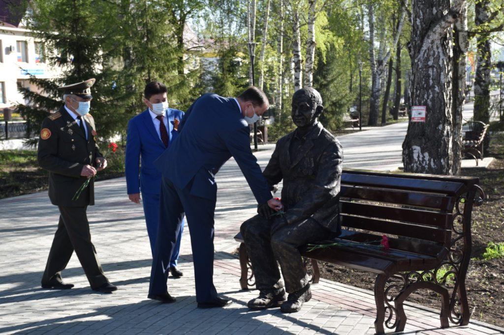 Памятник ветерану в парке Победы в Уфе | Портфолио
