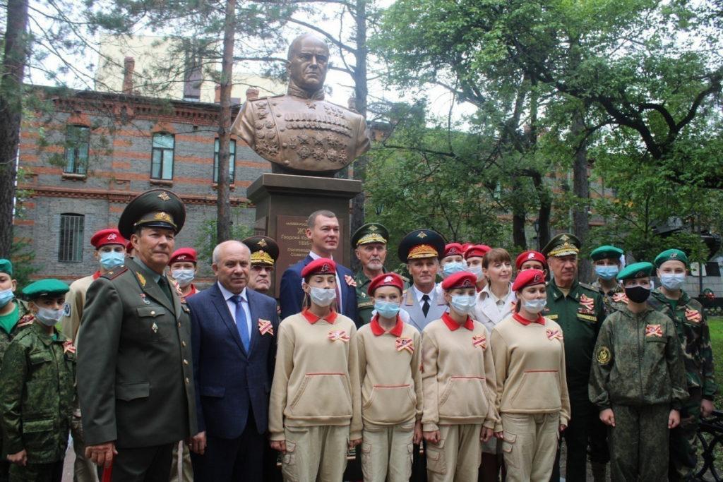 Бюст маршалла Георгия Константиновича Жукова в Хабаровске | Портфолио