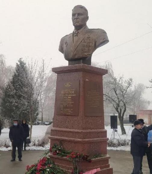 Бюст генералу ВДВ Василию Маргелову | Портфолио